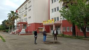 Dörtyol Atatürk Anadolu Lisesi Müdürü Atıf Aslan covid 19 salgını ile okulların kapatılmasının hemen ardından dezenfekte yapıldığını dile getirdi: