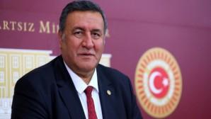 """CHP Niğde Milletvekili Ömer Fethi Gürer durumu elverenlere çağrı yaptı: """"Ulusal ve yerel gazete alarak destek verelim."""" Gürer: Binlerce gazeteci işsizlik tehdidiyle karşı karşıya"""