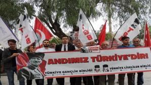Balkonlarımızdan İstiklal Marşını Türk Bayraklarının Gölgesinde Bütün Dünyaya Duyuracağız.
