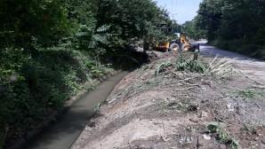 Hatay Büyükşehir Sulama Suyu Kanallarını temizliyor