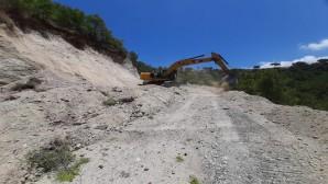 Antakya ve Arsuz'da yol genişletme  çalışmaları sürüyor