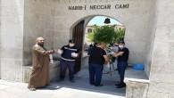 Cuma Namazı öncesi camilerde maske dağıtımı