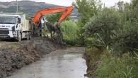 Hatay Büyükşehir Belediyesi Dere temizliğini sürdürüyor