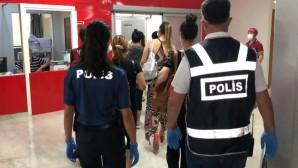 İskenderun'da Masaj Salonlarına Baskın: 21 Kadın Gözaltına Alındı