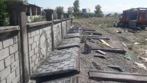 Hatay Büyükşehir Belediyesi  Mezarlık duvarlarını yeniliyor