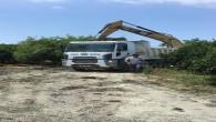 Samandağ Belediyesi ekipleri Gaversin deresinde çalışmalarını sürdürüyorlar