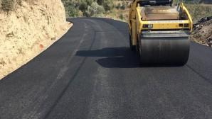 Hatay Büyükşehir Belediyesi'nden Karlısu ve Gülderen'e beton asfalt