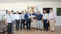 ATSO 3. Meslek Komitesi üyeleri Hatay Büyükşehir Belediye  Başkanı Doç. Dr. Lütfü Savaş'ı makamında ziyaret etti.