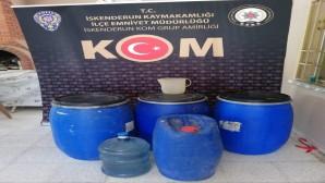 İskenderun'da 2660 Litre Kaçak Rakı Ele Geçirildi