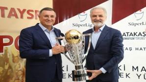 Atakaş Hatayspor'un kupası bir Hafta boyunca İTSO'da sergilenecek