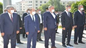 Başkan İzzetin Yılmaz 30 Ağustos Zafer Bayramı törenlerine katıldı