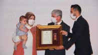 Hatay'da Şehit Yakınları ve Gazilere Devlet Övünç Madalyası ve Beratı Takdim Töreni Düzenlendi.