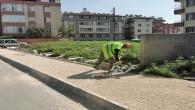 Antakya Belediyesi, asfalt çalışmaları tamamlanan sokakların kaldırımlarını yapıyor