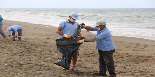 Mavi Sulardan 482 Ton atık uzaklaştırıldı