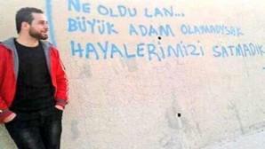 Gezi şehidi Ahmet Atakan ölümünün 7. Yılında mezarı başında anıldı