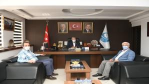AK Parti Çankırı Milletvekili Selim Çivitoğlu ve AK Parti Hatay İl Başkanı Yeloğlu'ndan Başkan Yılmaz'a ziyaret