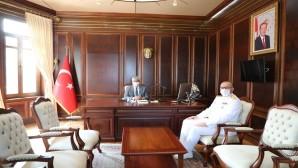Vali Doğan'a Deniz üs Komutanı Fırat'tan Nezaket Ziyareti