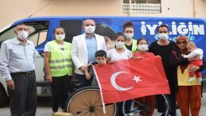 Başkan Savaş'tan yangın mağduru  ailelerin çocuklarına Bisiklet