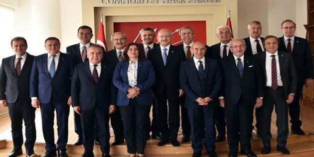 CHP'li belediye başkanları İzmir nöbetine başlıyor