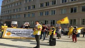 Eğitim sen Hatay Şubesi Milli Eğitim Müdürlüğü önünde Basın açıklaması yaptı: Emeğimizi ve Haklarımızı savunmaya devam edeceğiz