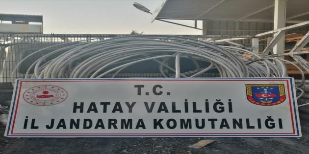 Reyhanlı ilçesinde Enerjisa'nın  kablolarını çalan 2 kişi Jandarma tarafından ele geçirildi