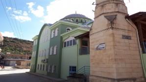 Hatay Büyükşehir Belediyesi, ibadethanelerin eksikliklerini gideriyor