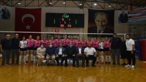 Antakya  Belediyesi Bayan Voleybol takımı Ereğli Bil Kolejini 3-1 yendi
