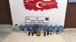 Arsuz Hüyük mahallesinde 247.5 litre boğma rakı yakalandı