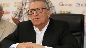 Eski Başbakanlardan Mesut Yılmaz hayatını kaybetti