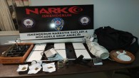 İskenderun ve Arsuz'da uyuşturucu ticareti yapan iki kişi çok sayıda uyuşturucu madde ile birlikte yakalandı