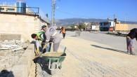 Samandağ Belediyesi Ekipleri yol yapım çalışmalarını sürdürüyorlar