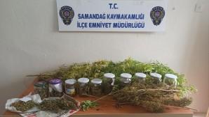 3 Hint keneviri kökü ile 367 gram esrar yakalandı