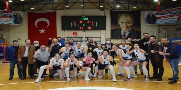 Antakya Belediyesi Bayan Voleybol takımı Mersin Yenişehir Belediyesi'ni 3-2 yendi