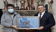 Hatay Büyükşehir Belediye Başkanı Lütfü Savaş kuş dedektifiyle buluştu: Hatay'da 374 kuş türü yaşıyor!