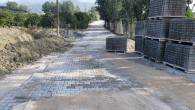 Hatay Büyükşehir Belediyesi parke döşeme çalışmalarını sürdürüyor