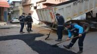 Antakya Belediyesi ekipleri, HAT SU çalışması nedeniyle bozulan yolu onardı