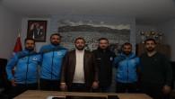 Antakya Belediyespor futbolcuları ile imzalar atıldı