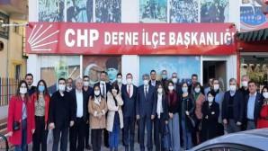 CHP İl Başkanı Parlar gezilerini Defne'de sürdürdü