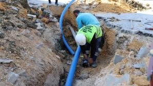 HAT SU: Eski içme suyu hatlarında deplase çalışmalarını sürdürüyor