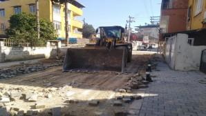Başkan Yılmaz'ın talimatı ile Esenlik mahallesi Melek sokaklarda asfalt hamlesi