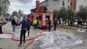 Hatay Büyükşehir belediyesi İtfaiyesi sünger fabrikası yangınına hızla müdahale etti