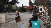 Hatay Büyükşehir Belediyesi'nden Atatürk Parkına sosyal mesafe Bankları