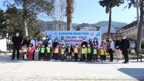 Antakya Belediyesi'nin Bilim Merkezi ilk ziyaretçilerini ağırladı