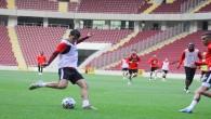Atakaş Hatayspor Galatasaray maçı hazırlıklarını yeni statta sürdürüyor