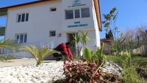 Hatay Büyükşehir Belediyesi'nden Defne Belediyesi Kadın Dayanışma Merkezine Peyzaj çalışması