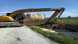 Hatay Büyükşehir Belediyesi, kırsal mahallelerdeki alt yapı çalışmalarını sürdürüyor
