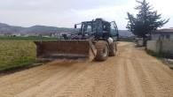Antakya Belediyesi'nden Maşuklu Mahallesine yol açma ve malzeme serimi