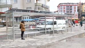 Hatay Büyükşehir Belediyesi Durak Montajını sürdürüyor