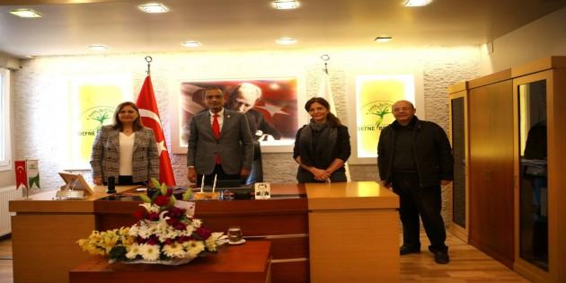 Rahmetli  Doktor Adnan Ezelsoy'un Eşi'nden  Başkan İbrahim Güzel'e ziyaret