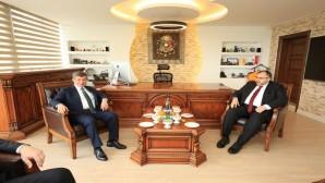 Ahmet Davutoğlu'ndan Necmettin Çalışkan'a taziye  ziyareti!